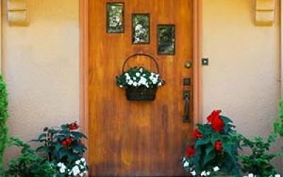 A fém bejárati ajtók előnyeiről röviden