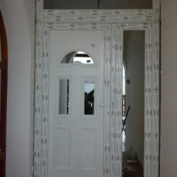 Díszpaneles bejárati ajtó