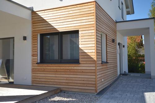 beltéri ajtók, műanyag ablakok, redőnyök és garázskapuk